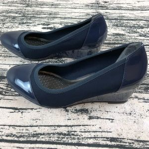 Life Stride 'Juliana' Navy Blue Wedges, 8.5.